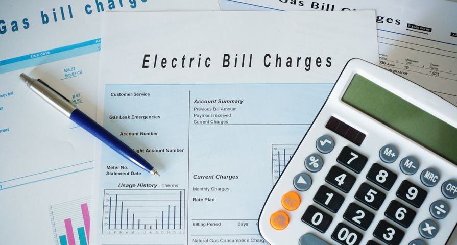 Gas and Electric Bills with Calculator