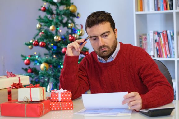 Follow These Tips to Avoid Going Broke at Christmas