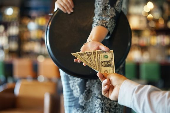 How Much Should You Tip? An Etiquette Guide