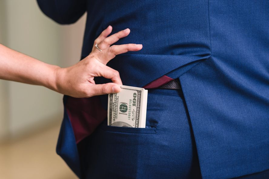 How to Protect Yourself From Wage Theft